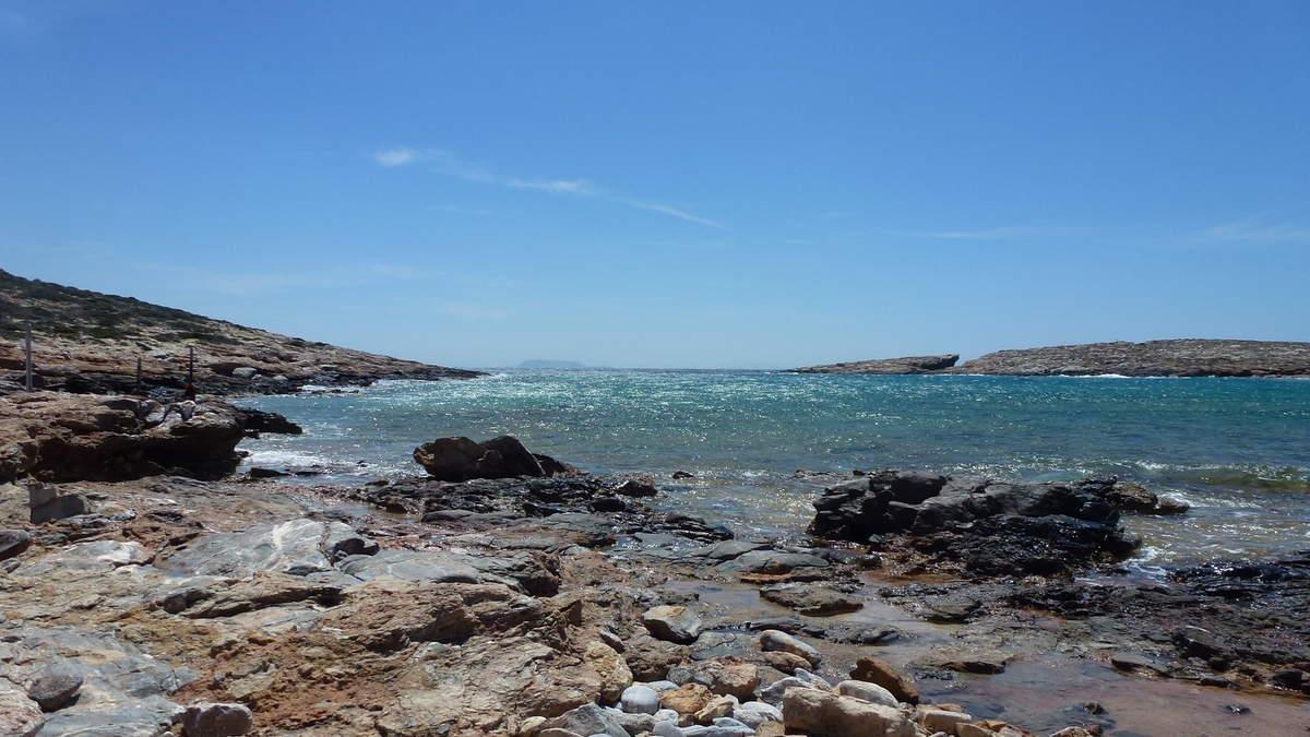 Le sud de l'île, le bassin d'Arkessini